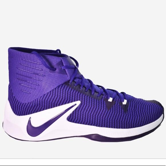 Men's size 7.5 Nike Basketball Shoes